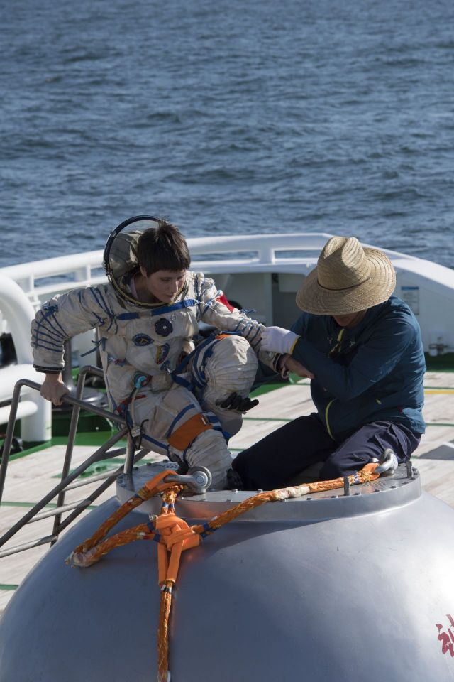 ESA astronaut Samantha Cristoforetti joined Chinese colleagues in Yantai, China to take part in their sea survival training, on 15 August 2017.