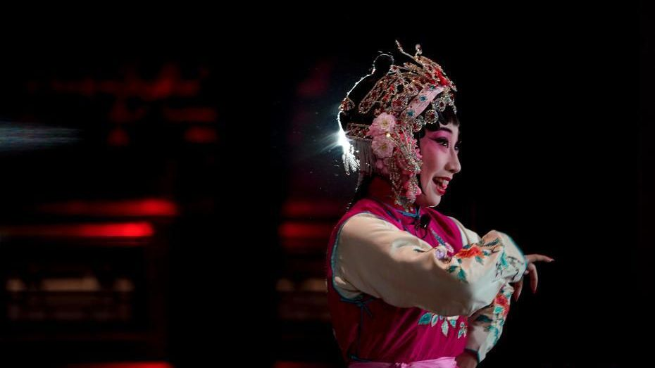 Changyinge Pavilion, which served as the exclusive theatre for royal celebrations at the Palace Museum, has staged its first performance since the demise of the Qing Dynasty.