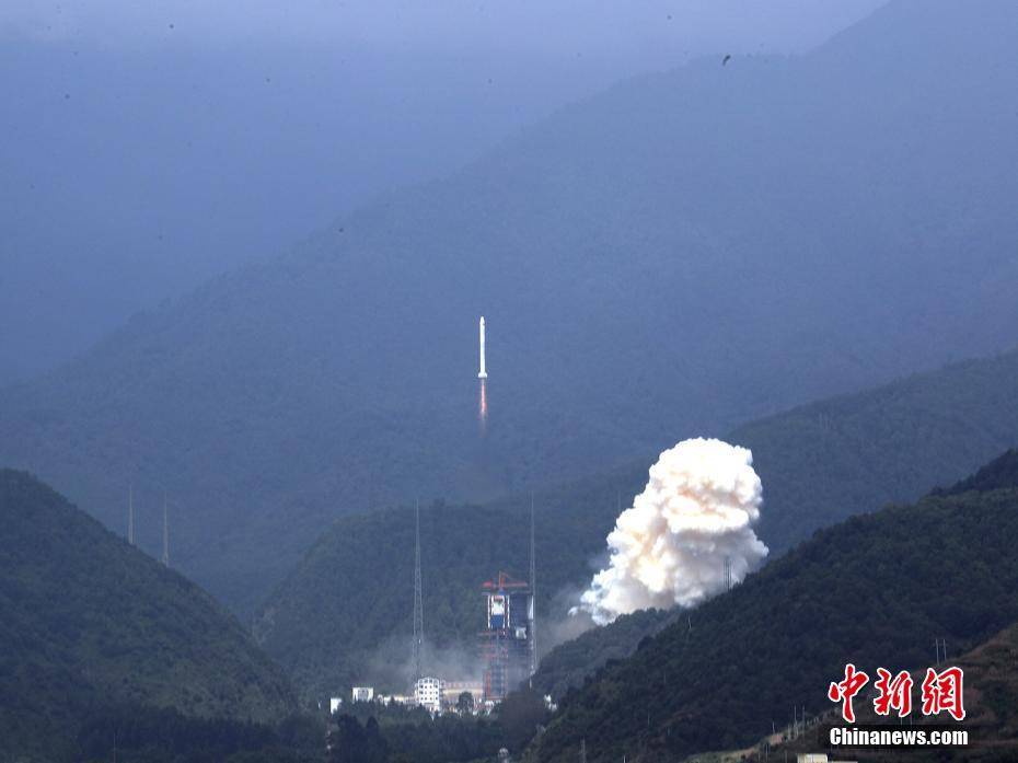A Long March 2C lifts off from Xichang on September 29, 2017, carrying three Yaogan-30 (01) satellites.