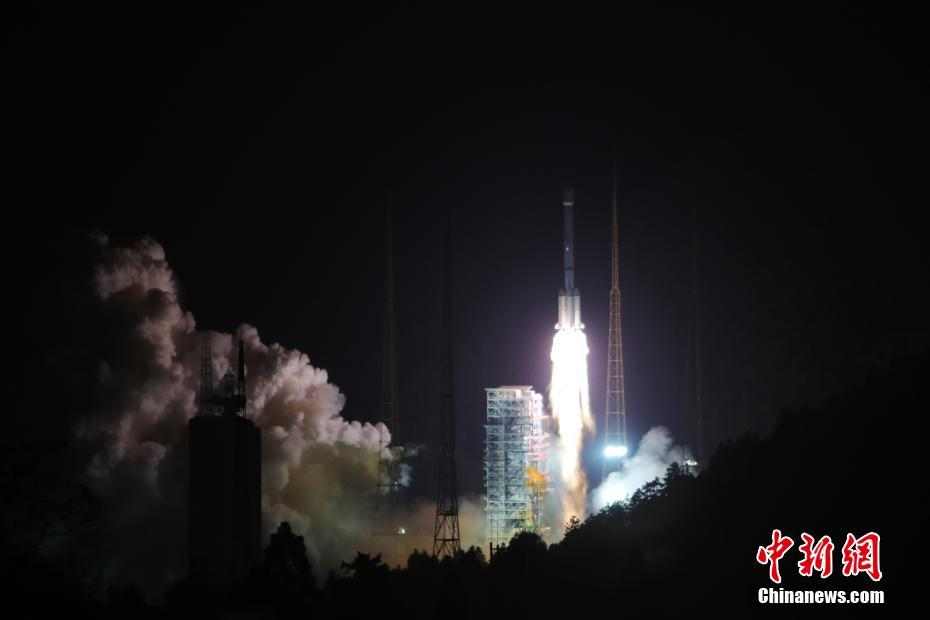 Liftoff of the Long March 3B/YZ-1 carrying the Beidou-3 M1 and M2 satellites on November 5, 2017.