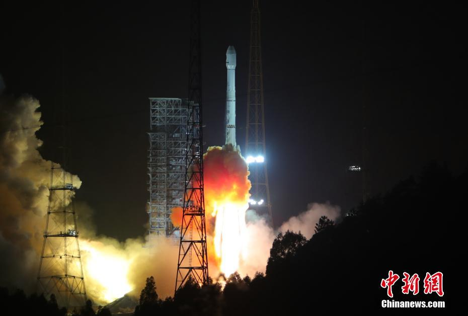 The Long March 3B/G2 carrier rocket carrying Alcomsat-1 lifts off from the LC2 Launch Complex at the Xichang Satellite Launch Centre at 16:40 UTC December 10 (00:40 local time, December 11), 2017.