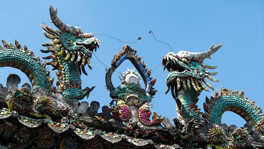 Raising the roof: south China's intricate temple eaves decorations