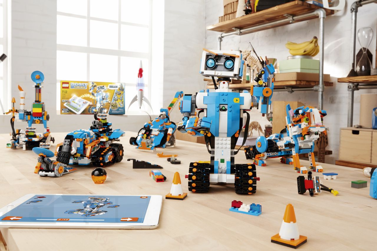 Lego and Tencent to build new online platform for children in China