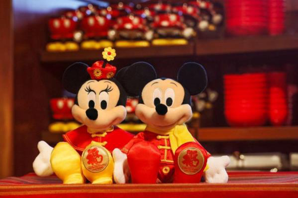 from january 22 through march 4 the resort will be decorated with spring festival themes