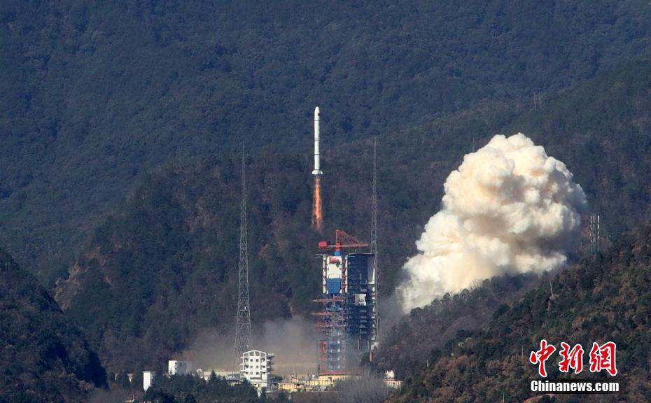 A Long March 2C rocket lifts off from LC3 at Xichang on January 25, 2018, carrying three Yaogan-30 (04) remote sensing satellites and a 'Weina-1A' nanosatellite.