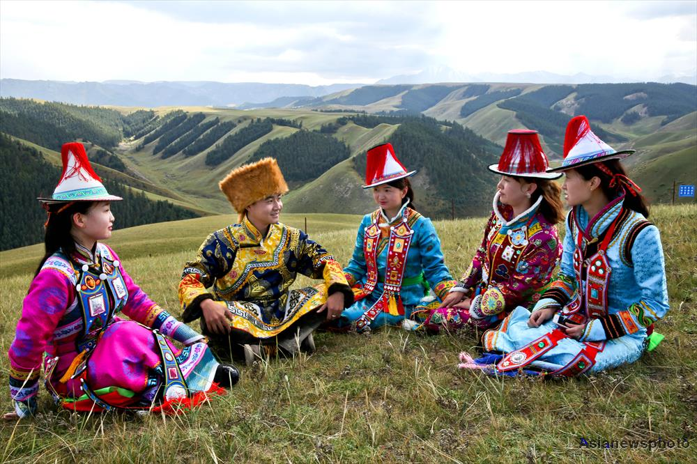 The Yugur – herdsmen of northwest China