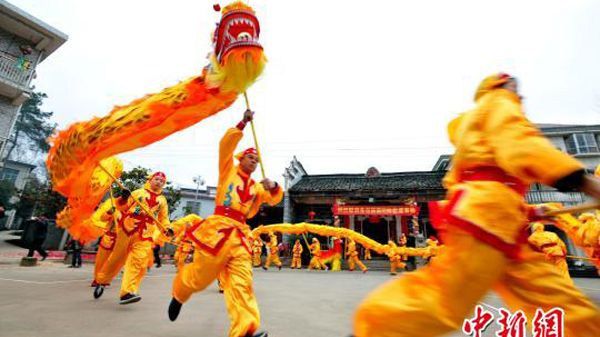 A traditional dragon dance to celebrate the Spring Festival performed in a village in Jiangxi Province on February 14.