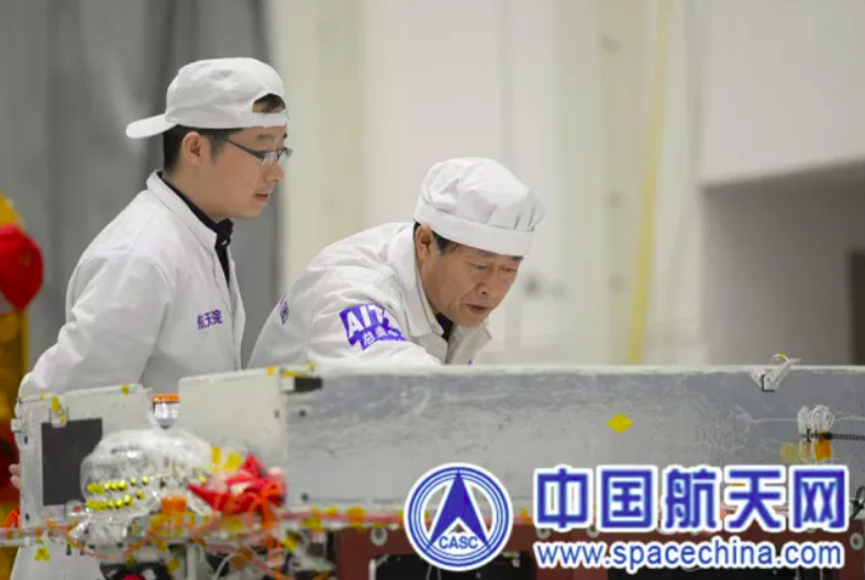 CAST engineers working on the Chang'e-4 lunar lander and rover in 2018.