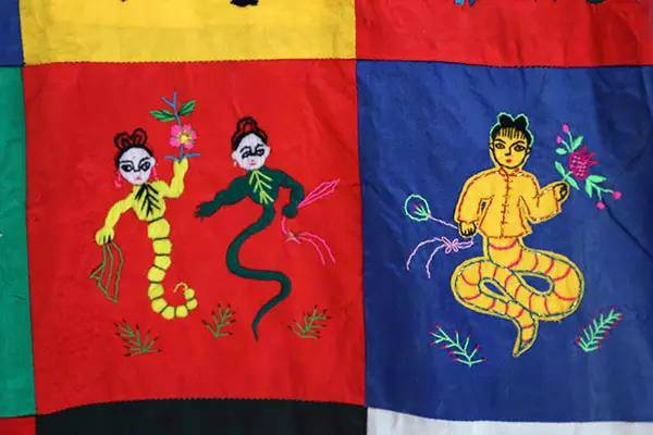 china shaanxi embroidery colourful blanket quilt snake evil spirits