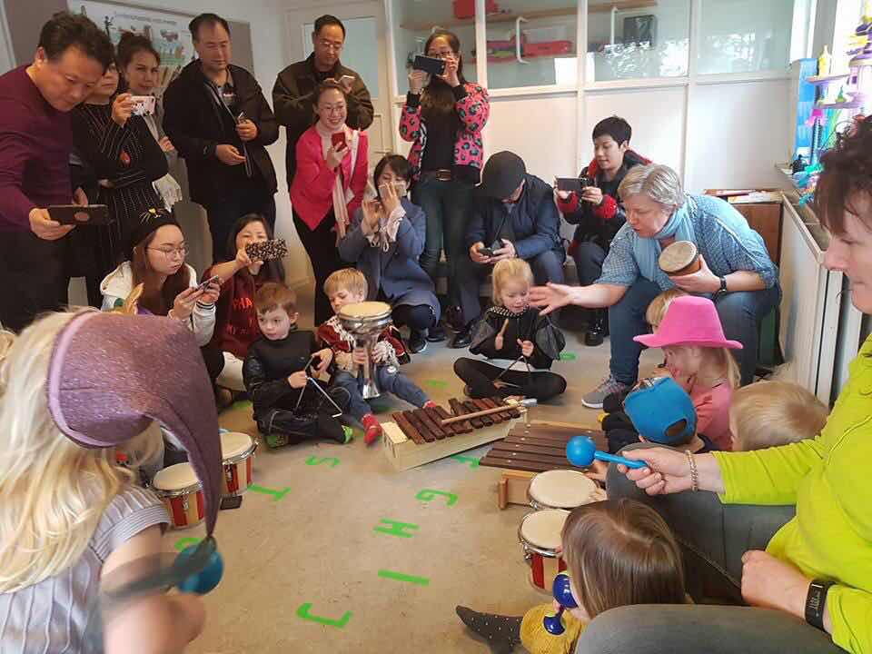 A group of Chinese pedagogues is in Denmark to learn about the country's pedagogy. This photo is from the another group that came in March.