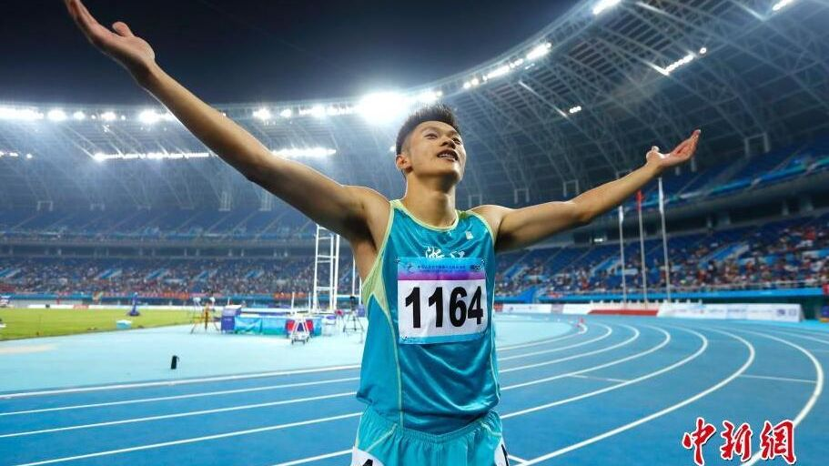 Sprinter Xie Zhenye breaks Chinese men's 100m record