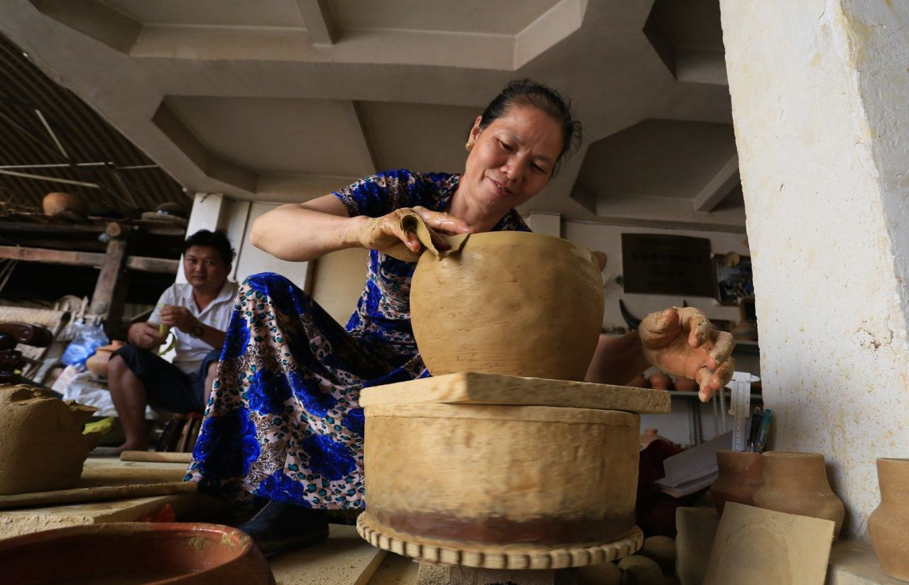 Southwest China's Dai slow wheel pottery: the craftspeople preserving an ancient tradition