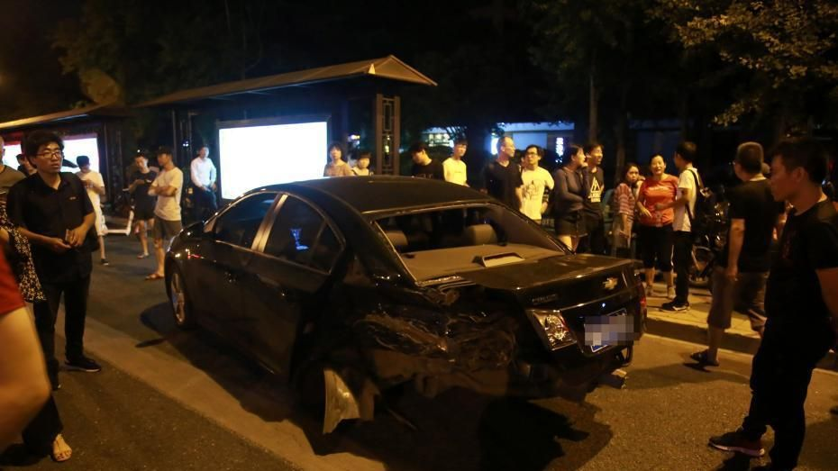 4 killed, 13 injured after car hits crowd in eastern China