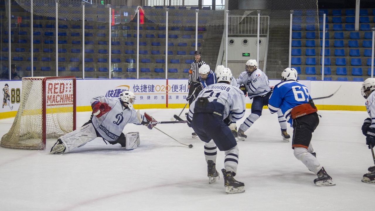 Russian goalie defending against HDC.