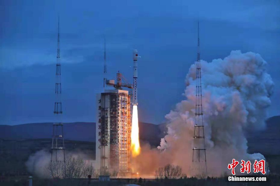 Liftoff of the Long March 4B rocket at 22:57 UTC October 24, 2018, carrying the Haiyang-2B marine observation satellite into orbit