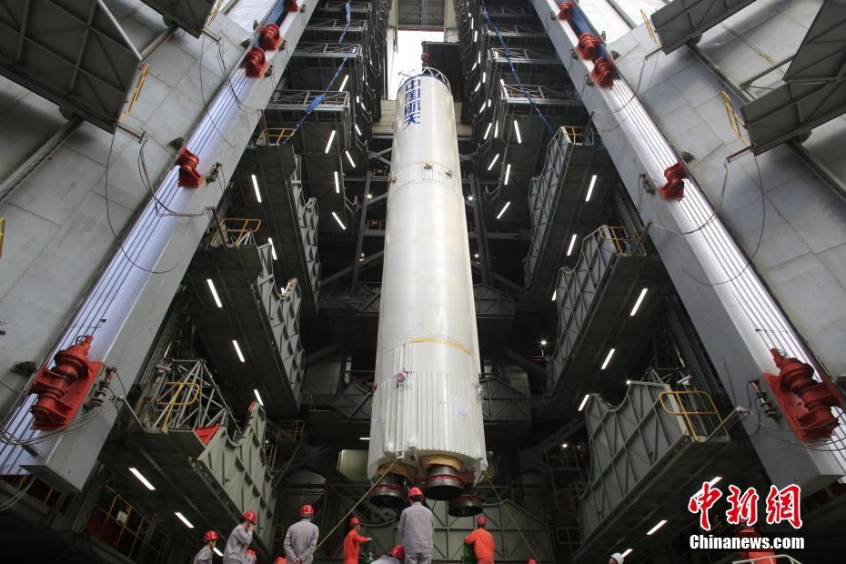 Vertical integration of the enhanced Long March 3B at Xichang Satellite Launch Centre for the November 2018 launch of the Beidou-3 G1Q satellite.
