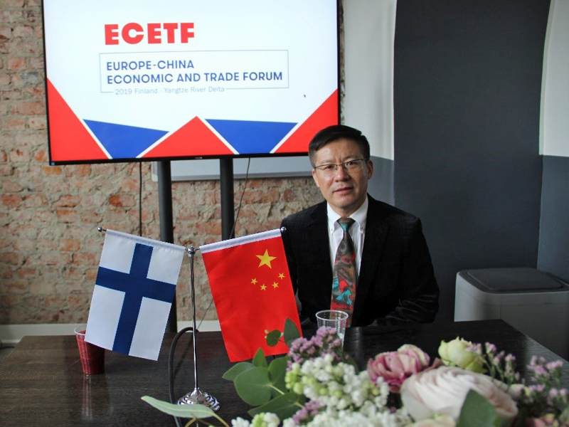 He Bin, president of the Shanghai-based Xinhai Customs Brokerage Co., Ltd., stood witness to the burgeoning Chinese market for foreign merchants.
