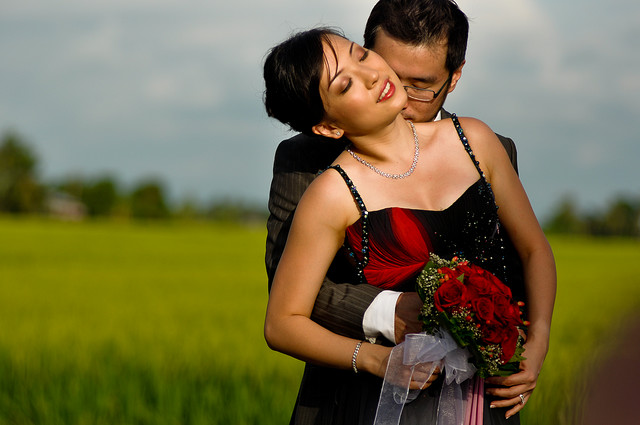 Inspiration for wedding photo shoots often comes from international fashion shows and glossy magazines.