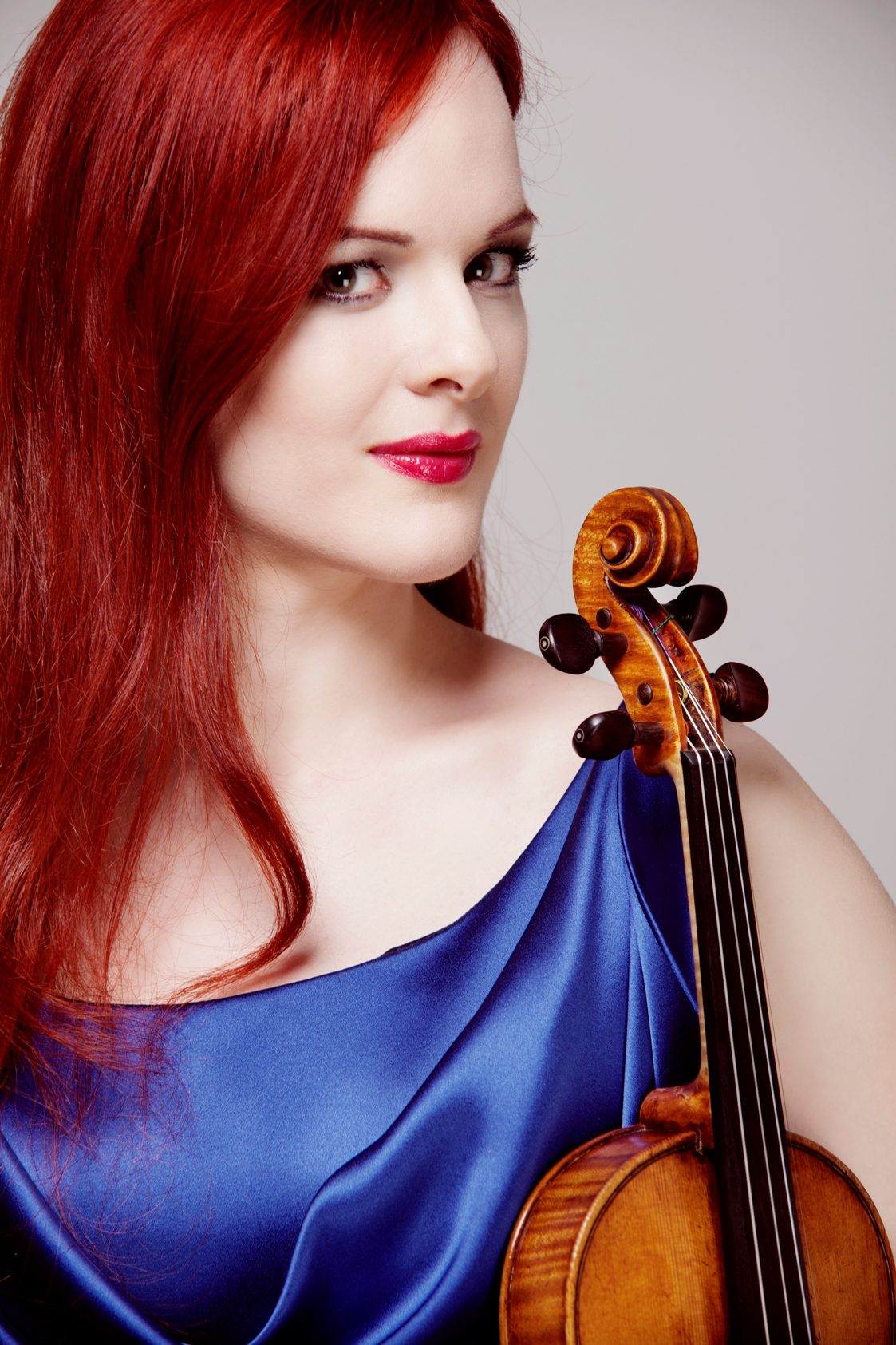 As a professional violinist, Rachel d'Alba has had the privilege of working and collaborating with the best and most celebrated international orchestras, conductors and musicians.