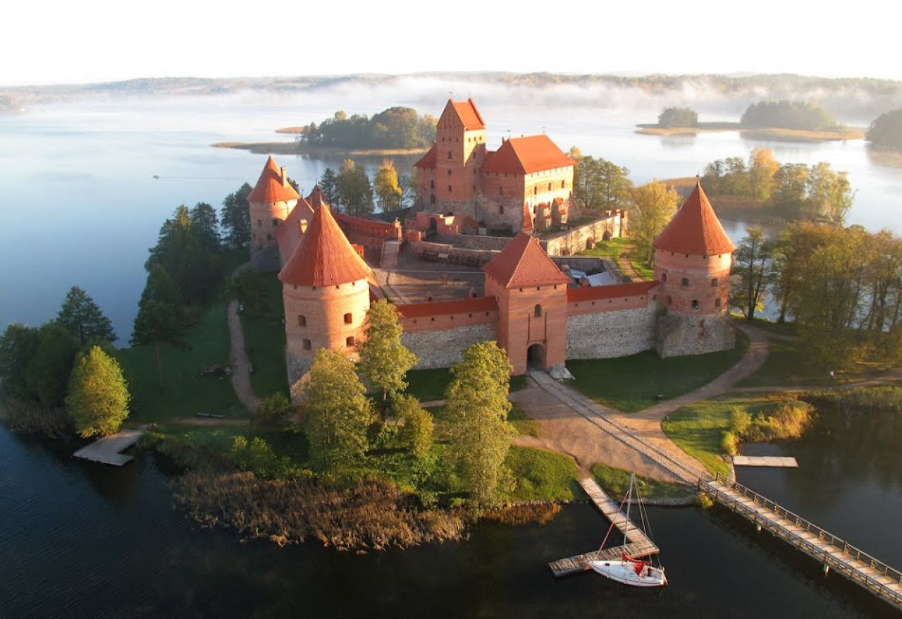 14th century Gothic castle in the town of Trakai, on the Castle Island in Lake Galvė in Lithuania.