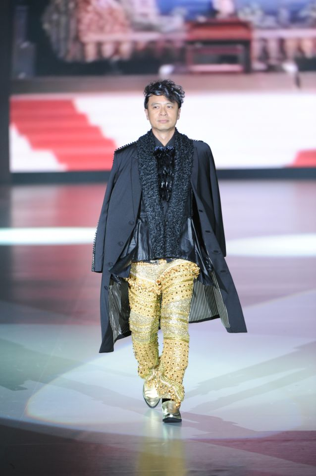 "Henry Lau presented his ""street sophistication"" collection at HK Fashion Extravaganza 13 January 2014."