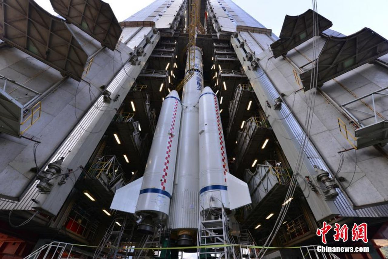 The modified Long March 3B that will carry Chang'e-3 towards the Moon at 17:00 Beijing time on December 1, 2013 at the Xichang Satellite Launch Center - six-and-a-half hours before launch.