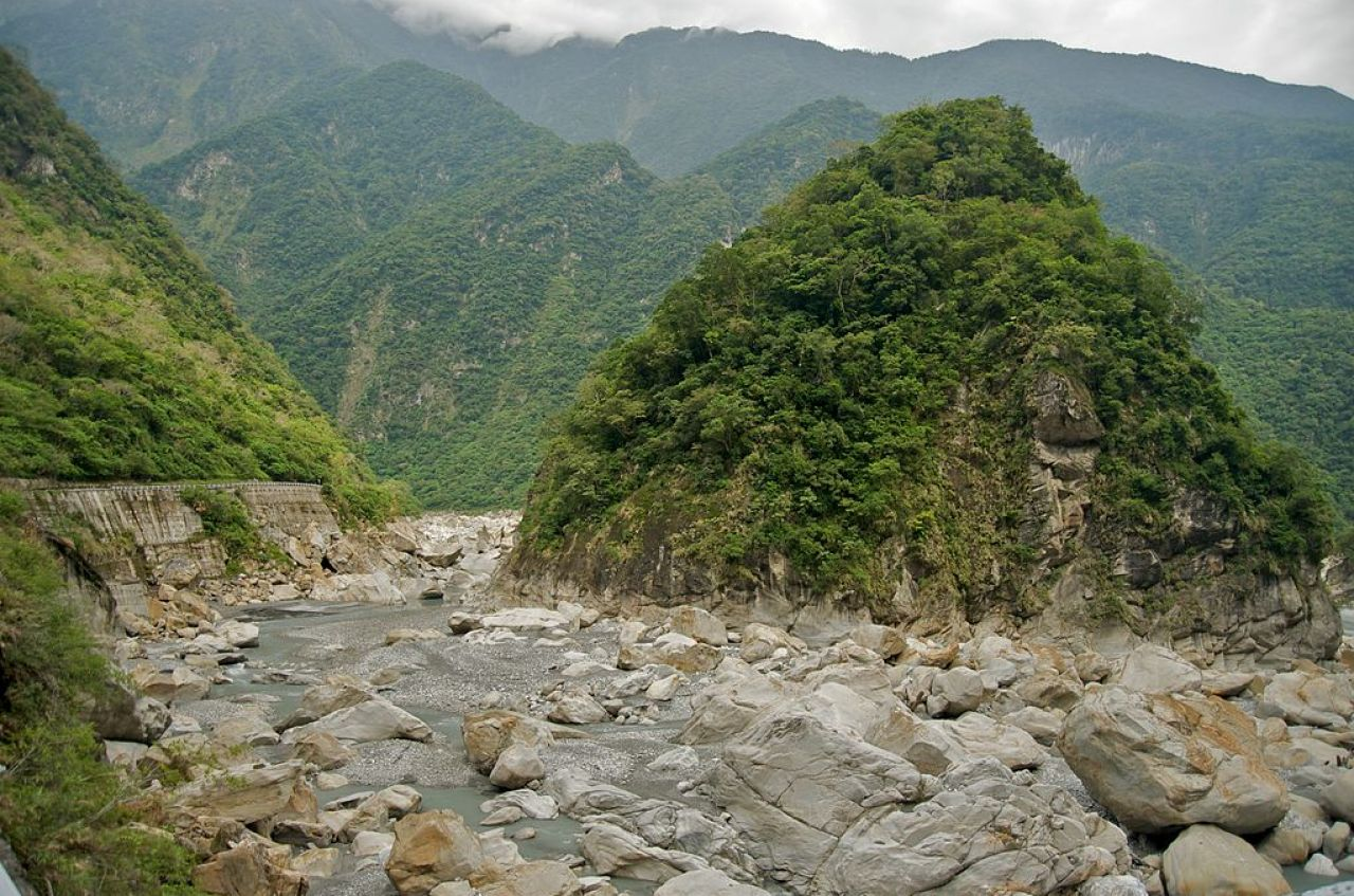 Taroko Gorge and one of its beautiful sceneries.