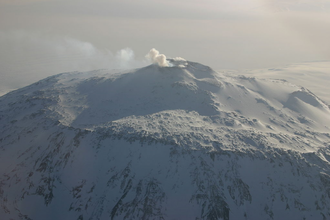 Mount Erebus, the second highest volcano in Antarctica (after Mount Sidley) and the southernmost active volcano on earth.