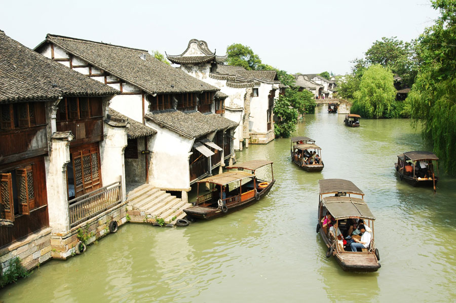 With the World Internet Conference being held in Wu Zhen, the water town is now in the spotlight again, though its prestigious status as a tourist resort doesn't need any further enhancement.