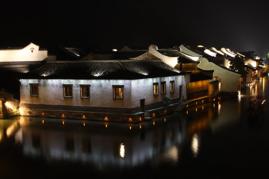 "The architectural style of buildings in Wuzhen has fully demonstrated the philosophy that ""harmony is beauty"", which is deeply rooted in ancient Chinese architecture."