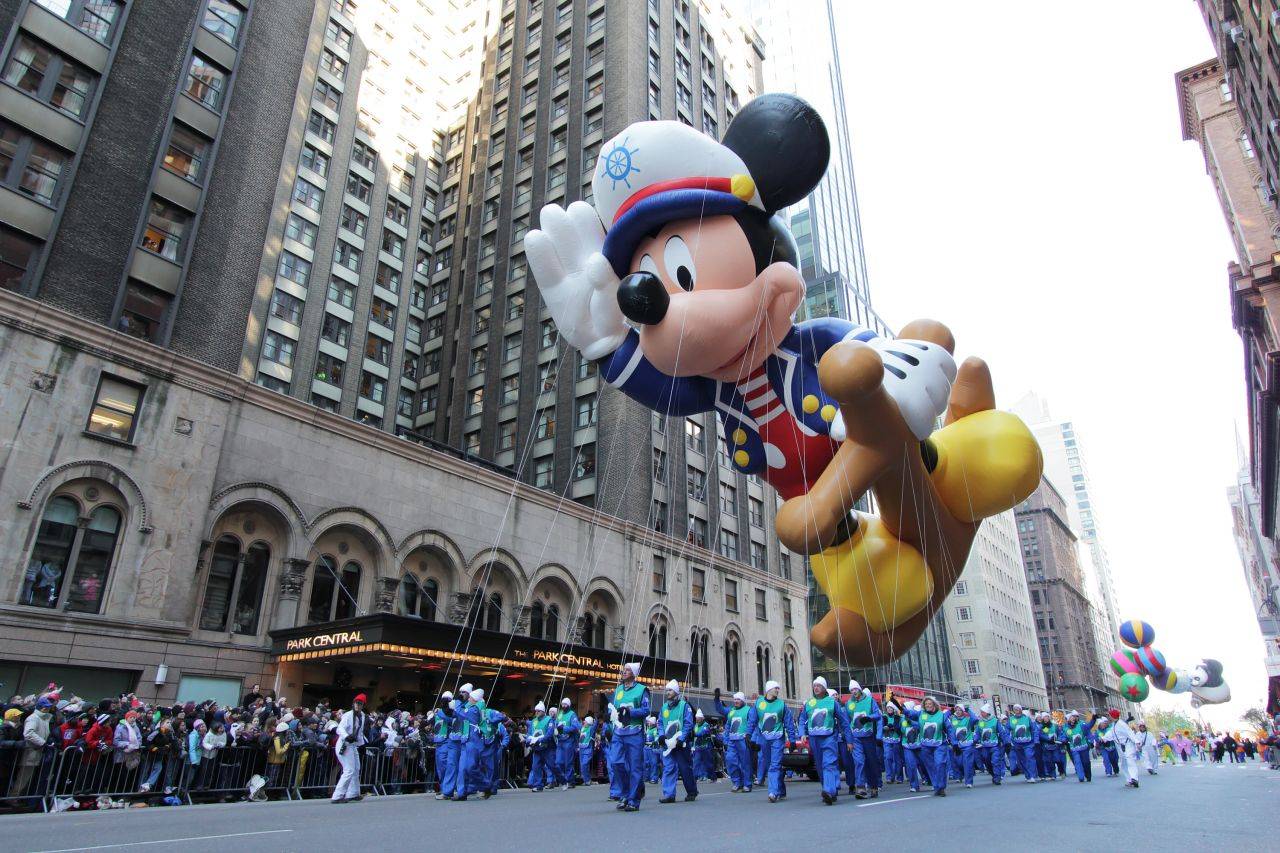 Macy's Annual Thanksgiving Day Parade in New York City is one of the televised highlights of the national holiday. The parade features high school marching bands and large balloons of TV characters.