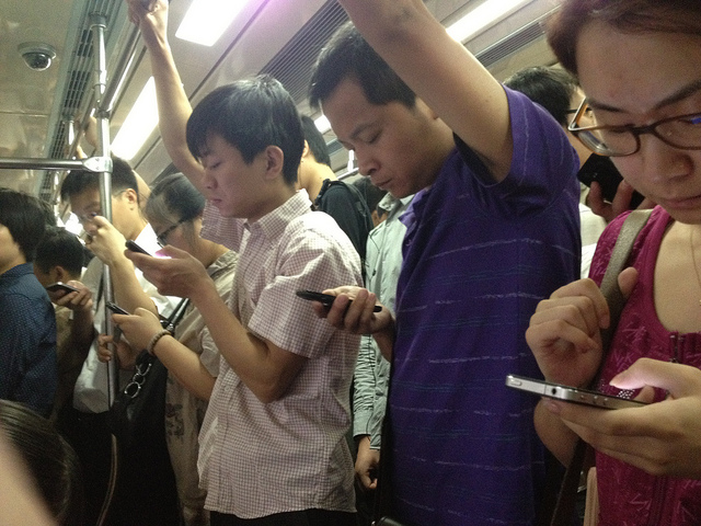 China's mobile phone users have reasons to be happy
