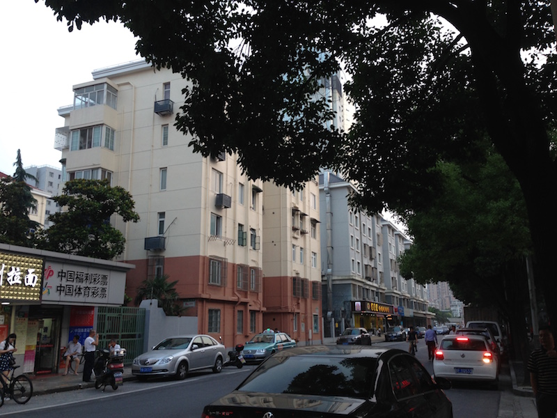 A quiet residential street in Qingdao