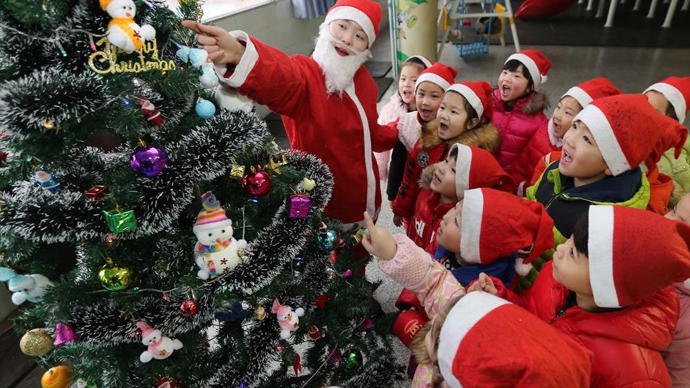 Chinese Christmas.What Do Chinese Think They Know About Christmas Gbtimes Com