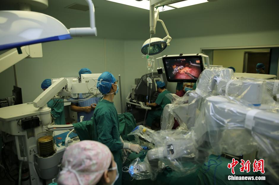 Chinese doctors use VR technology to remove rare liver tumor