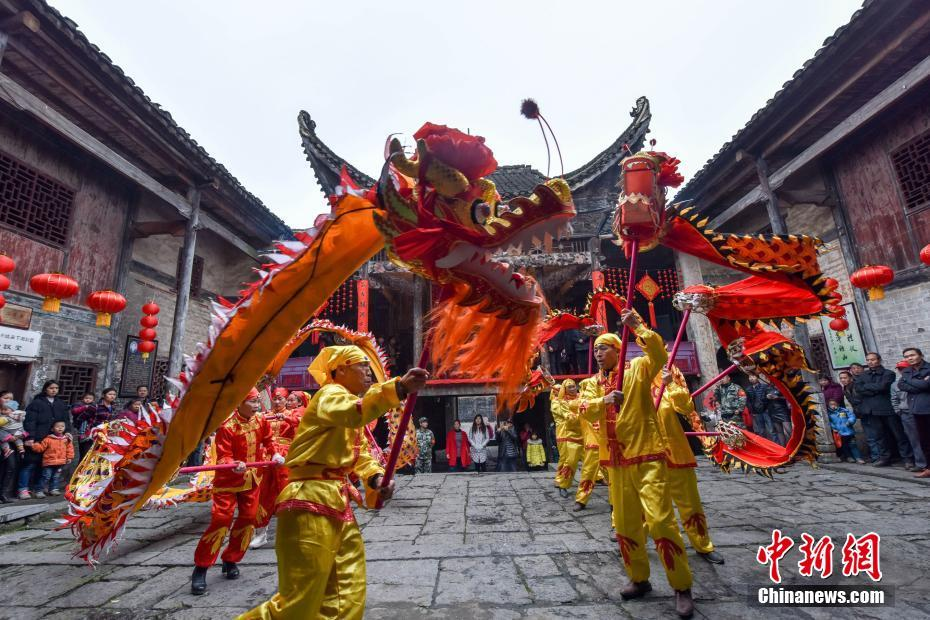 Lion dances and dragon dances are traditional performances during the Spring Festival, and are considered to bring luck and peace.