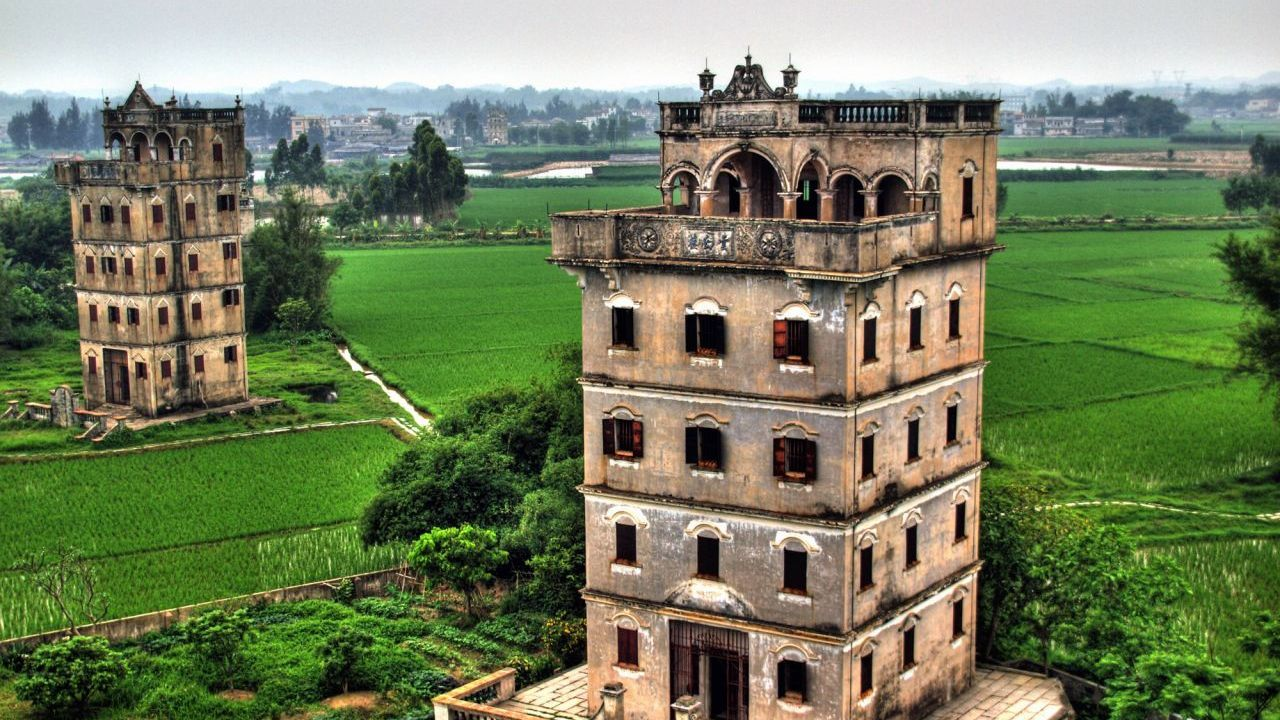 The flamboyant watchtowers of Kaiping