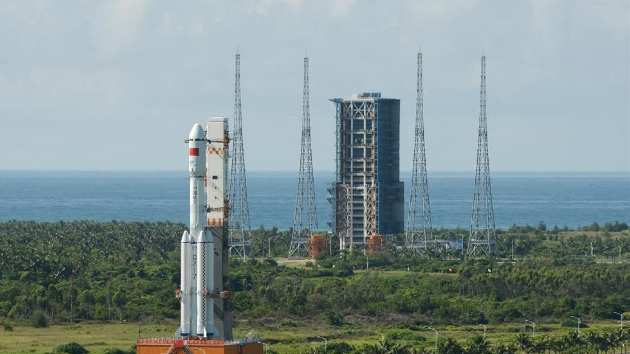 Tianzhou-1: Long March 7 rocket delivered to Wenchang