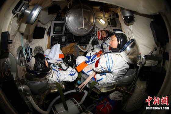 In training: The crew of the 2012 Shenzhou-9 mission to the Tiangong-1 space lab.