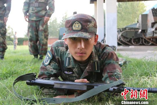 China to stop recruiting senior high school graduates for army