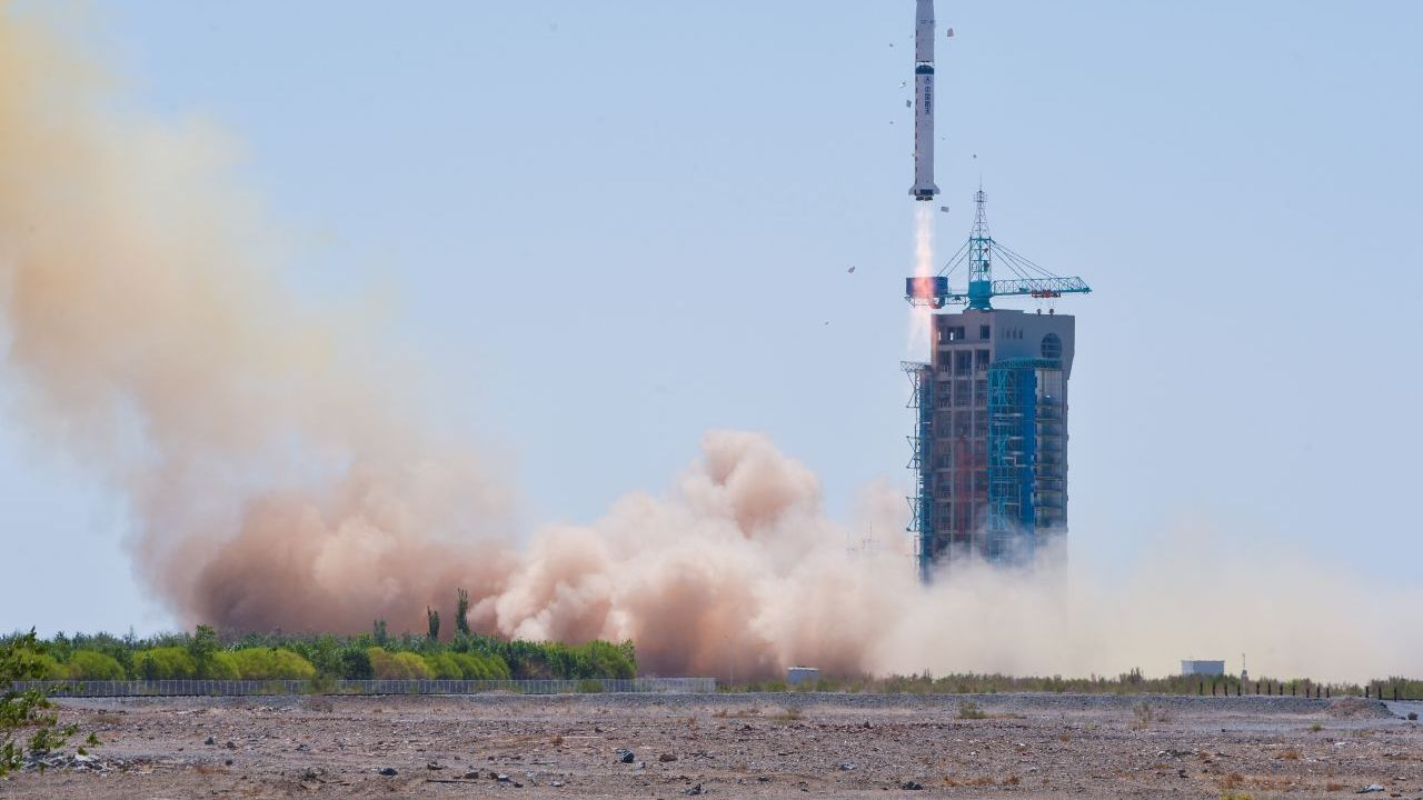 China's first space observatory turns on X-ray detectors