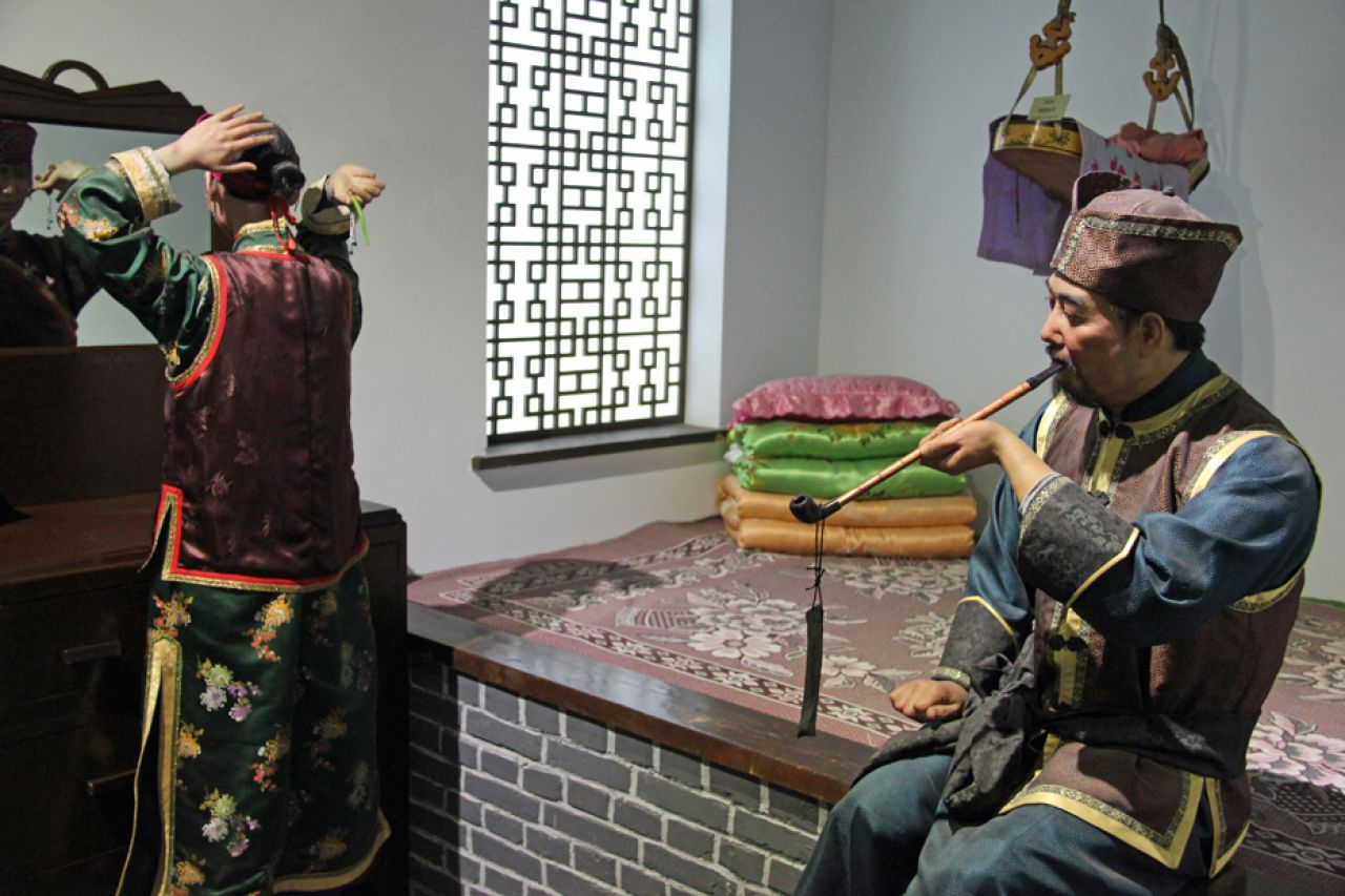The Daur ethnic minority in Xinjiang are descendants of Daur officers and soldiers dispatched to the region by the Qing government in 1764.