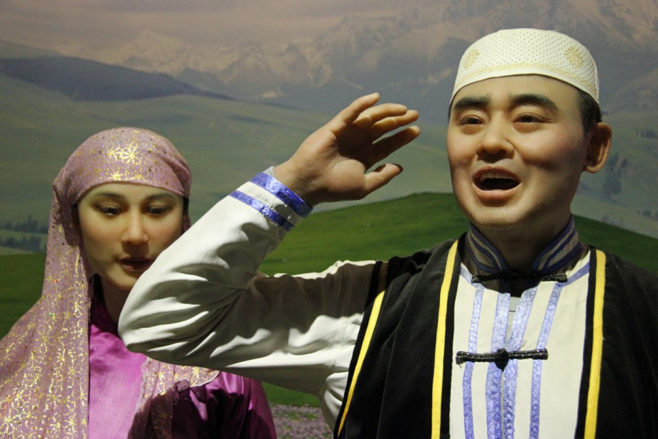 Hua'er is a very popular type of folk singing among the Hui ethnic minority - it is clear, loud and vivid, with melodious and euphemistic tones.