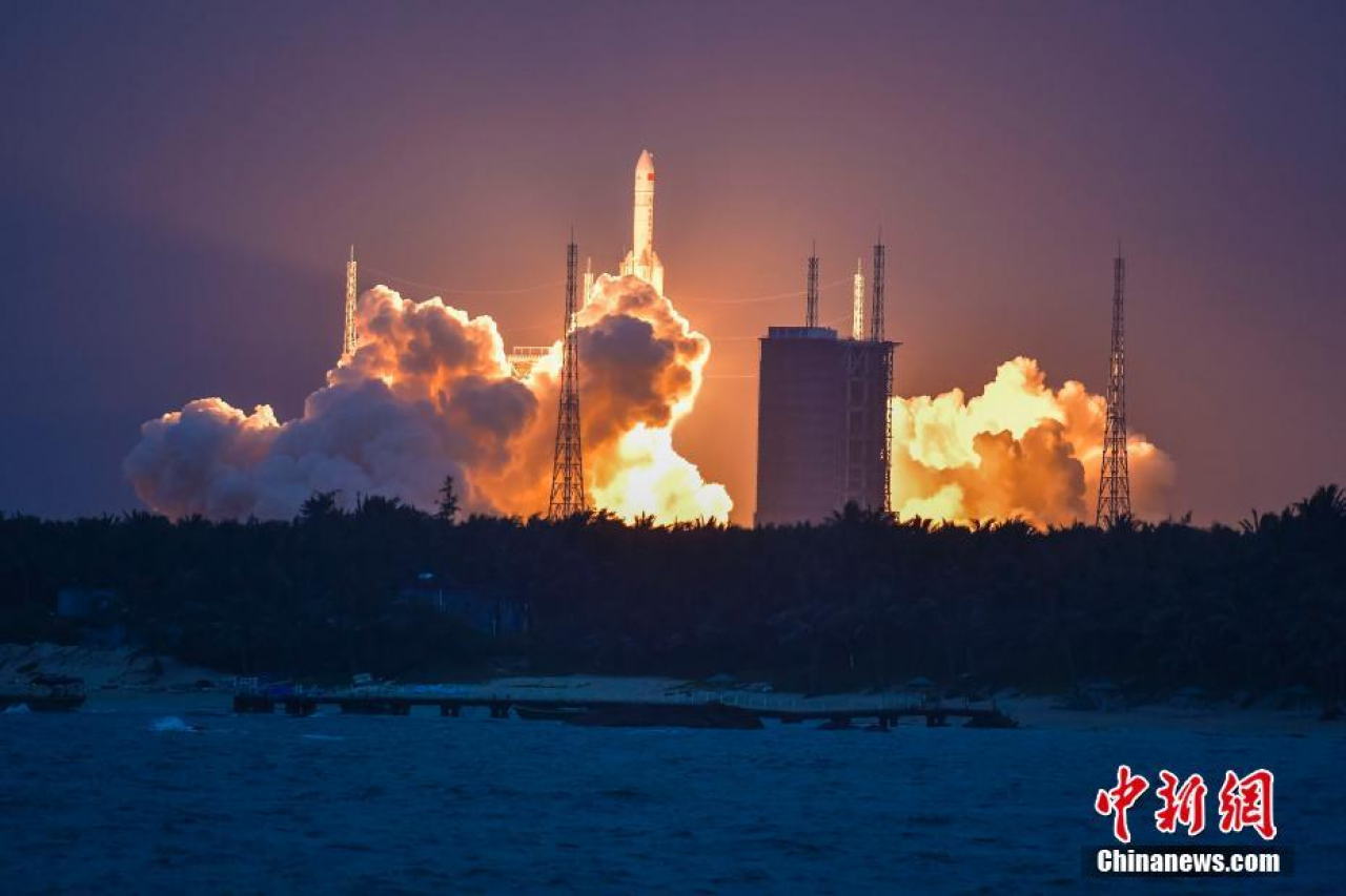 The Long March 5 (Y2) rocket lifts off from Wenchang at 19:23:23 local time on July 2, 2017.