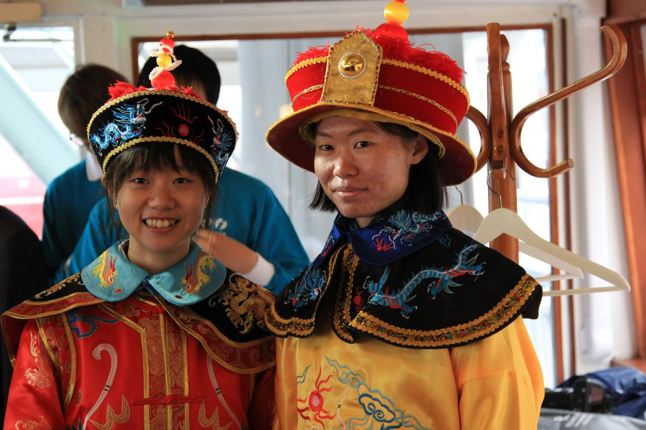 Guests were able to try on Qing Dynasty costumes.