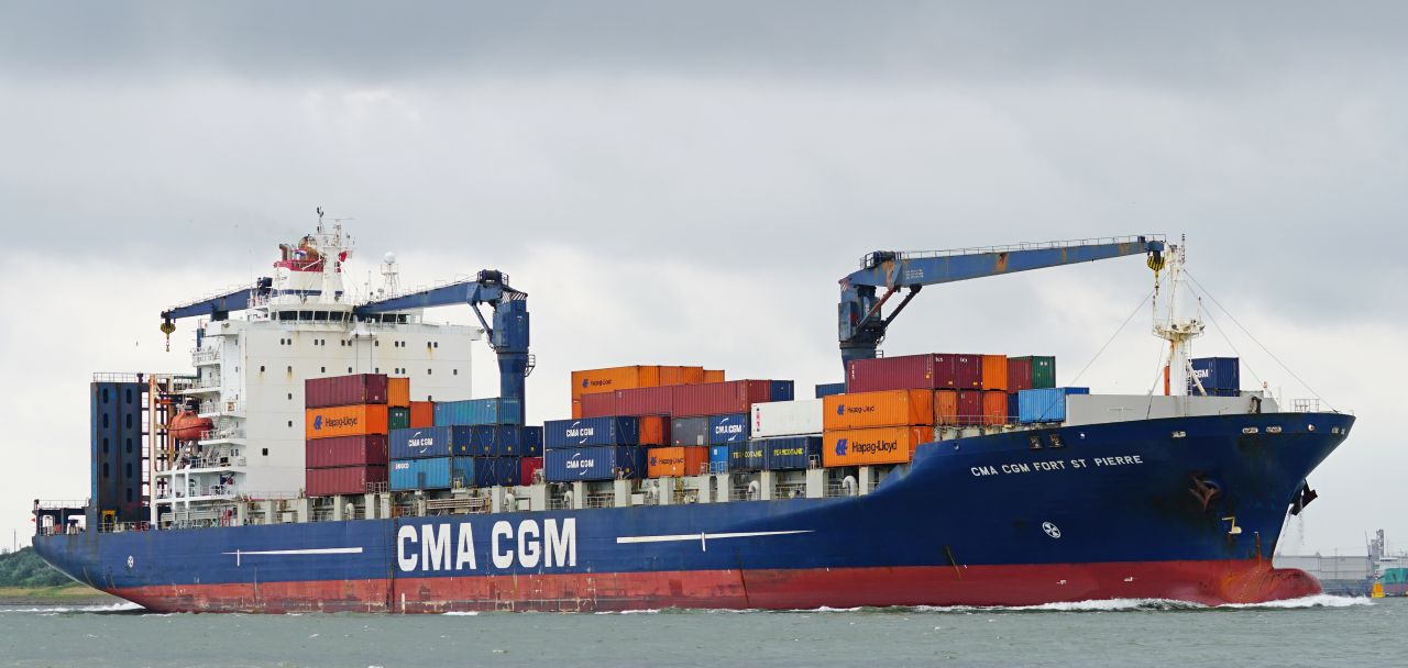 World's largest container ships to be built in China