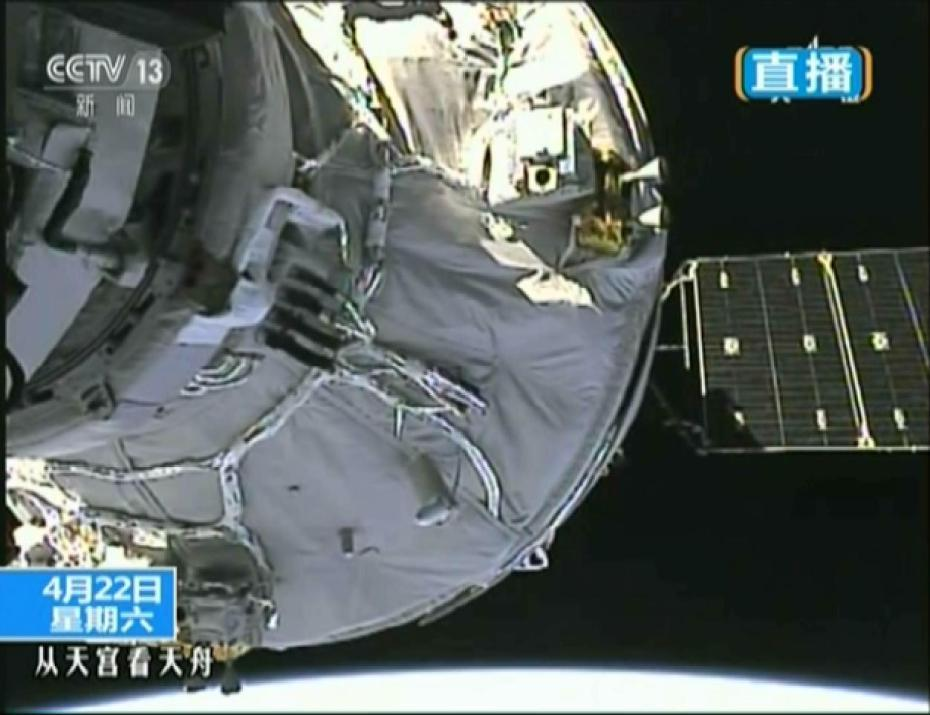 Tiangong-2 and Tianzhou-1 docked in orbit (framegrab/CCTV).