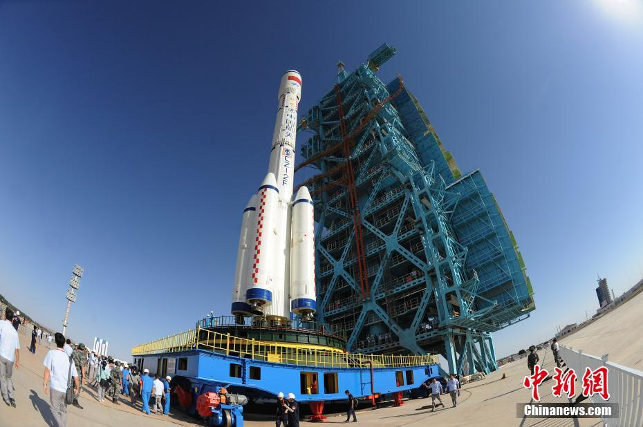 Tiangong-2 atop its Long March 2F-T2 launch vehicle at the Jiuquan launch tower days before launch.