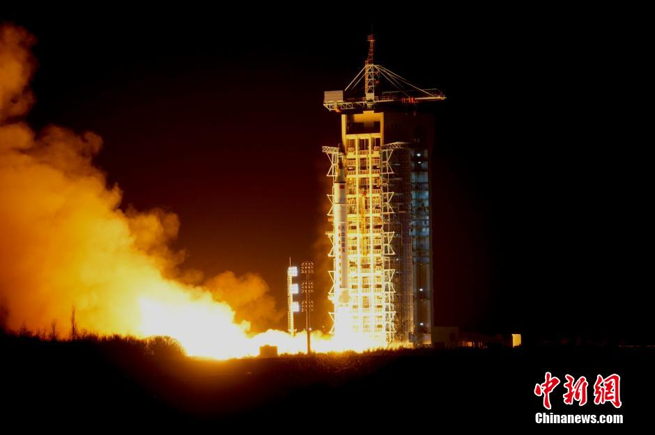 Shijian-10 lifts off from Jiuquan on early on April 6, 2016.