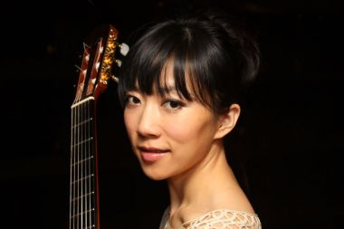 Yang Xuefei: A lady and a guitar